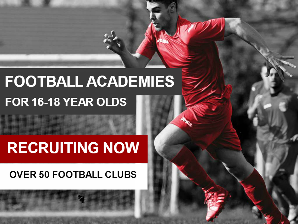 16-18 year olds training at an SCL football academy